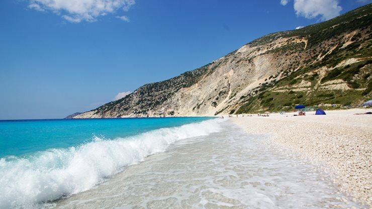 Weißer Strand und türkises Meer auf Kefalonia